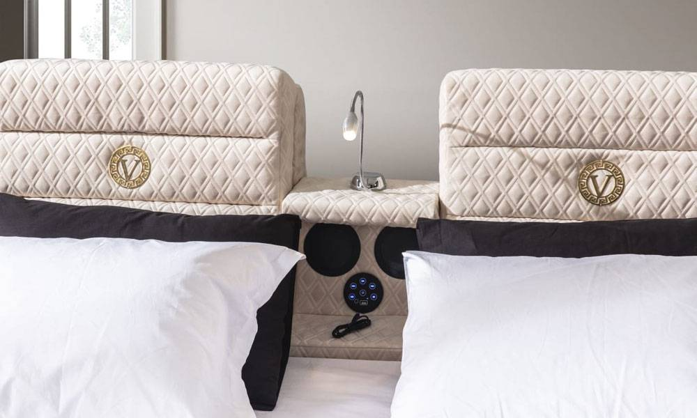 Versace Gold Tv Mekanizmalı + Masajlı Karyola